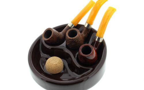 Pipahamutartó - fekete kerámia, 3 pipának, kerek