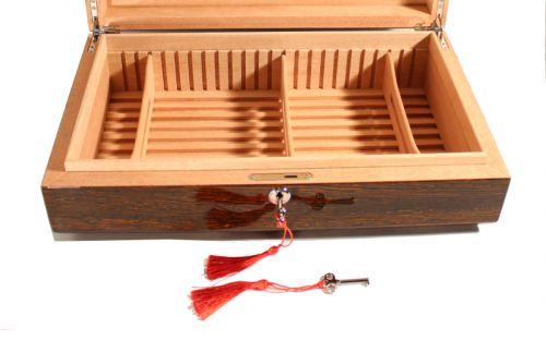 Humidor 60 szál szivar részére, spanyol cédrusfa szivar tároló doboz, párásító, hygrométer - íves
