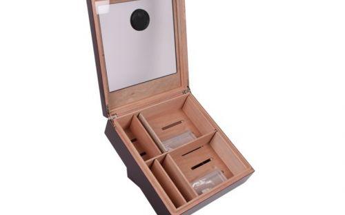 Szivar tároló doboz Fogadásokra - döntött szivar tartó doboz, üvegtetővel, hygrométerrel és párásítóval - bordó