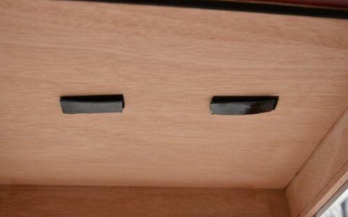 Gasztro Szivarszekrény - szivar tároló, 150 szál szivarnak, cédrusfa, körbe üveges, hygrométer - barna