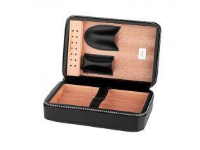 Utazó humidor 4 szál szivarhoz - cédrusfa szivartartó doboz, fekete bőr borítású (20x14cm)